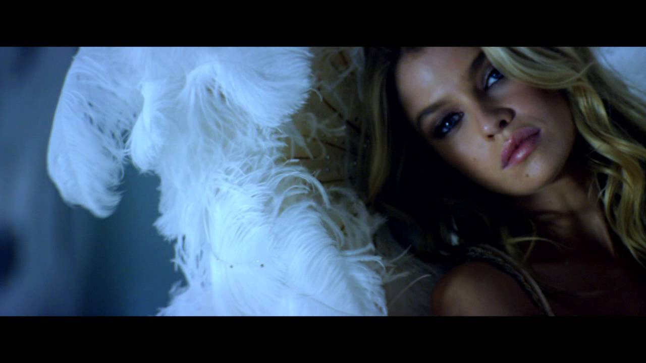 Victoria's Secret Holiday 2015:  Ice Angel