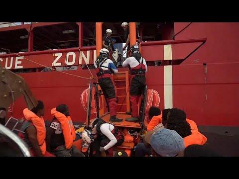 Лампедуза принимает мигрантов