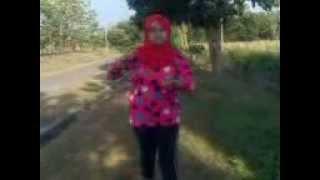 Video Siti Rohalima XII IPS 2   Jurus Pukulan Maut download MP3, 3GP, MP4, WEBM, AVI, FLV November 2018