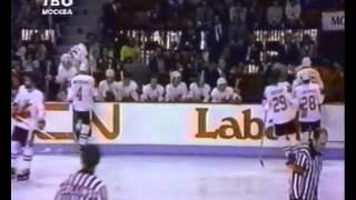 Кубок Канады 1981 финал СССР Канада 8-1(финал кубка Канады между сборными СССР и Канады. Разгром канадцев со счётом 8-1. Больше видео здесь http://sssr-kanada..., 2013-03-15T05:07:35.000Z)