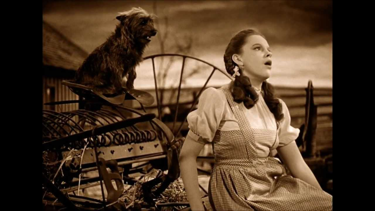The Wizard Of Oz - Somewhere Over The Rainbow (Judy Garland) - YouTube