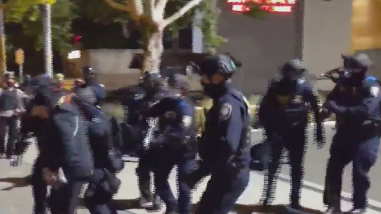Portland rioters damage ICE building; police declare 'unlawful ...