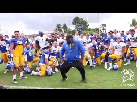 "San Jose State coach dances to ""U Can't Touch This"""