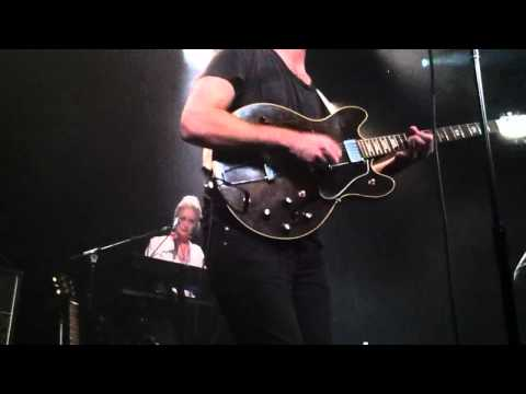 Shout Out Louds- Walls (Music Hall of Williamsburg, Brooklyn 3/11/13)