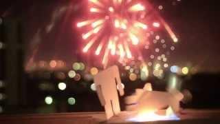 Смотреть клип December Streets - Dance With Somebody
