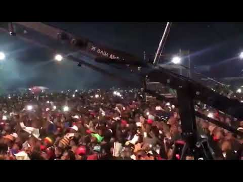 Cassper Nyovest turnup the crowd insane performance In Zimbabwe