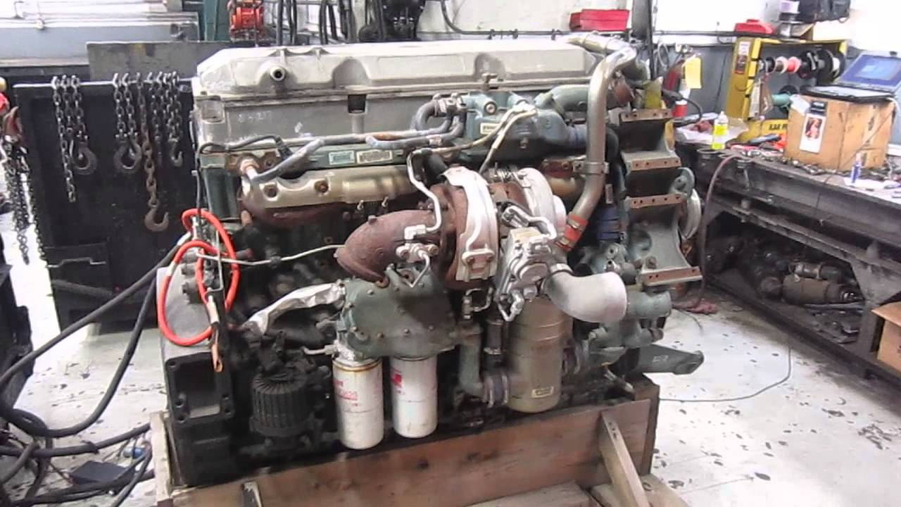 2008 Detroit Diesel Series 60 DDEC VI Engine Running