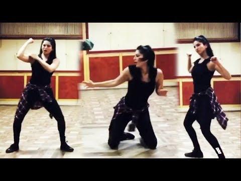 Sunny Leone Dancing On 'Nayak Nahi Khalnayak Hoon Main' | Sanjay Dutt Song