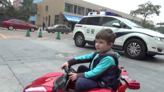 Детский электромобиль за $70(Низкая цена, отличный внешний вид, управление из кабины и с пульта, долгое время работы от батареи, музыка,..., 2015-02-15T15:08:40.000Z)