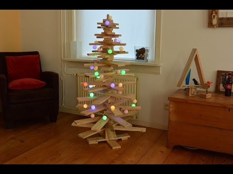 A Rustic Pallet Christmas Tree