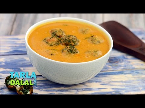 Spinach Koftas in Red Gravy by Tarla Dalal