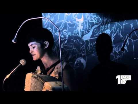 1Take.TV: Maia Vidal (Follow Me)