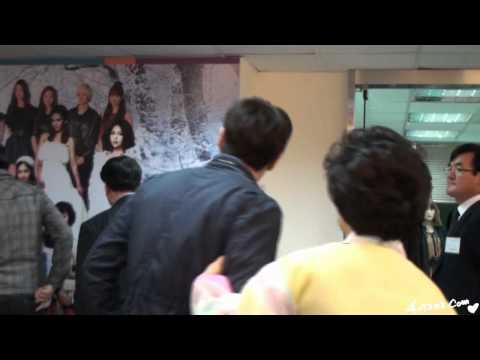 [Cherish]120204 UPI Siwon with Kyu's mom^^