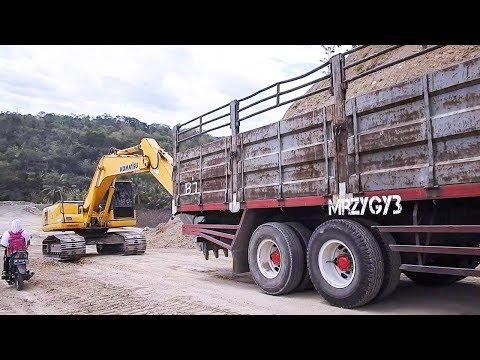 3 BIG Trucks Slipping Uphill Pushed By Excavator | 3 TRUK TRONTON SELIP
