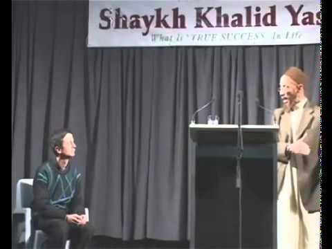 Christian Priest Interrupts Khalid Yasin