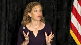 DNC chair resigns after leaked emails show committee conspired against Sanders