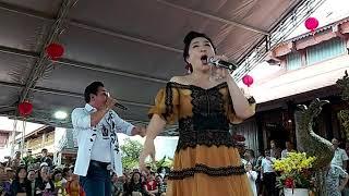 Nghệ sĩ Thoại Mỹ và Nghệ sĩ Ngân Tuấn hát cúng tổ ca khúc Trai tài gái sắc