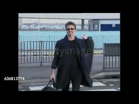 George Michael in Heathrow Airport, London. 20.11.1998