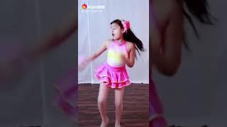 Beautiful girl dance on Ek Do Teen Baaghi 2 Mehndi Dance 2018