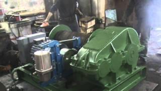 Лебедка ЛМ-5 наматываем канат.(Лебедка электрическая ЛМ-5, предназначена для строительно монтажных работ., 2015-11-17T06:22:22.000Z)