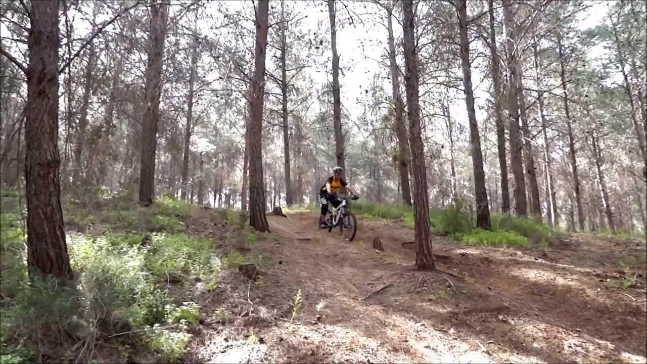 איך להתמודד עם ירידות על אופני הרים?