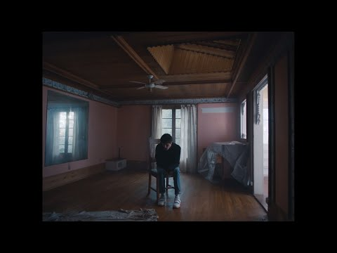 download Alec Benjamin - Let Me Down Slowly (feat. Alessia Cara) [Official Music Video]