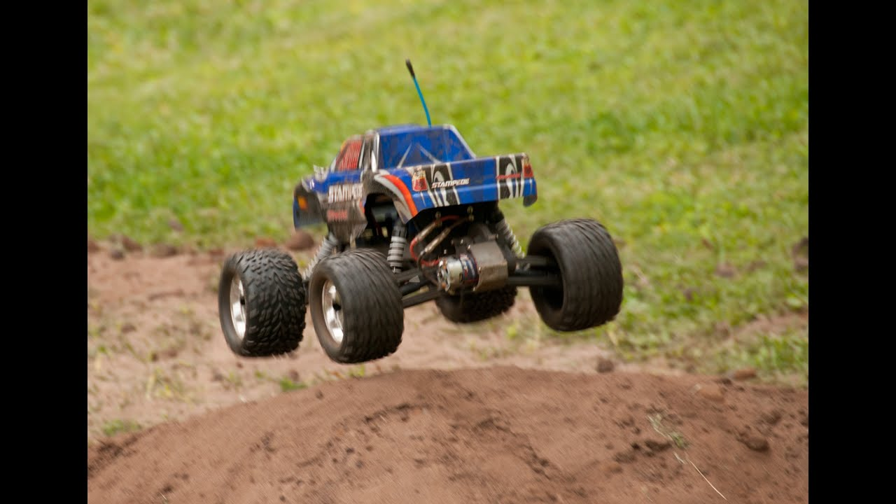 Traxxas Stampede 2WD Jumpy Dirts and Dirty Jumps