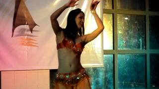 Baixar Cíntia Barros no Congresso Mineiro de Dança do Ventre 2011