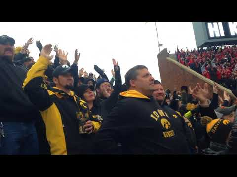 Kinnick Wave for the Ohio State game