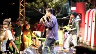 Coffee Reggae Stone - Topeng Monyet (IMANEZ) live @RadioShow TvOne Lirik