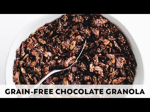 Grain-Free Chocolate Granola // vegan, paleo, gluten-free