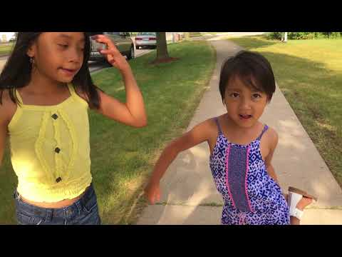 Abigail Khim Rem and Sister Lily go to beach
