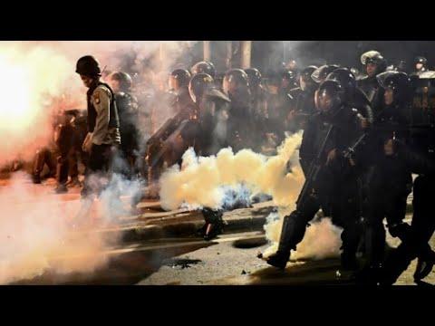إندونيسيا: اندلاع مواجهات في الاحتجاجات على فوز جوكو ويدودو بولاية رئاسية ثانية  - نشر قبل 3 ساعة