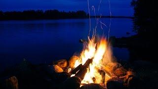 Magnifique Feu de Camp et Rivière • Bruits Apaisants du Bois qui Craque et de l