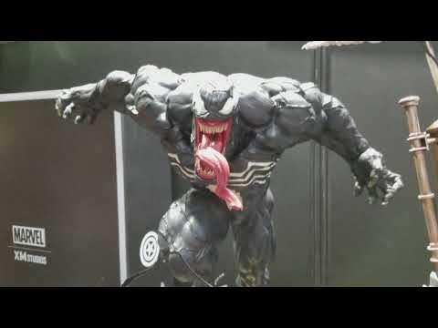 Tokyo Comicon Xm Spiderman/Venom and Carnage Statues