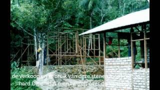 Hmin  Foundation Bijdrage Huizenbouw Ambon Molukken Met Gebruik Van Papercrete.wmv