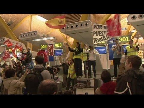 """British Go Home!"" say striking Iberia airline staff"