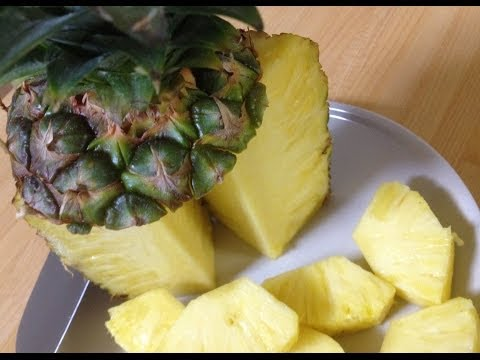 how-to-cut-pineapple!!-easiest-way
