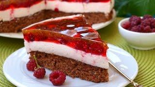 Бисквитный торт с какао, сливками и малиной в желе