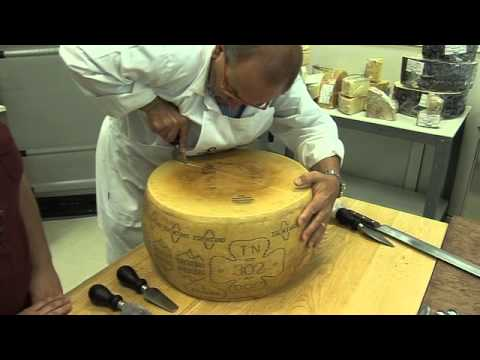 Channel Cheese - How to break open a Parmesan cheese with Carlo Guffanti from YouTube · Duration:  15 minutes 4 seconds