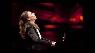 Yulianna Avdeeva & New York Philharmonic  29.X.2010 -  Concerto E minor op. 11 part 1
