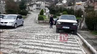 Report TV - Arratiset i burgosuri në Gjirokastër, doli nga tualeti i Gjykatës