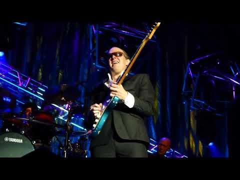 Joe Bonamassa - Love Ain't A Love Song - 11/10/15 Grand Opera House - Wilmington, DE