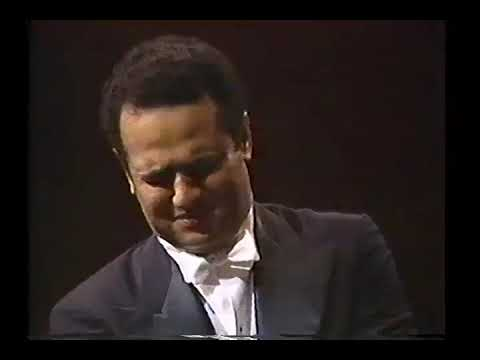 Andre Watts plays: George Gershwin: preludes #1, #2, #3.....