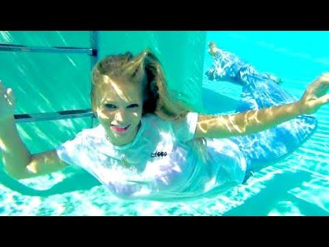 @trinamason-underwater-jeans