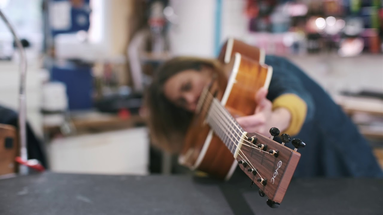 celia enoc luthiere a aix en provence