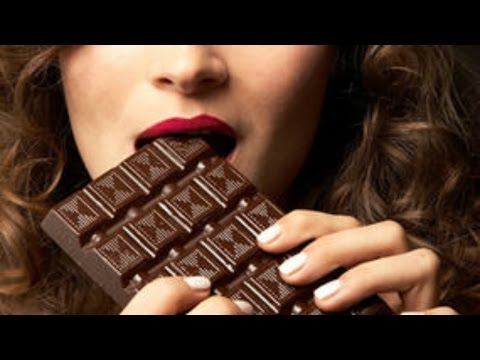 why-you're-hungrier-and-crave-chocolate-on-your-period
