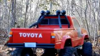 Thunder Tiger Toyota Hilux 4x4 Testing Out New Tires & Shocks