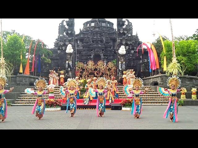 Balerung Stage / Indonesia Satu/ Tari Legong Janger Tat Twam Asi