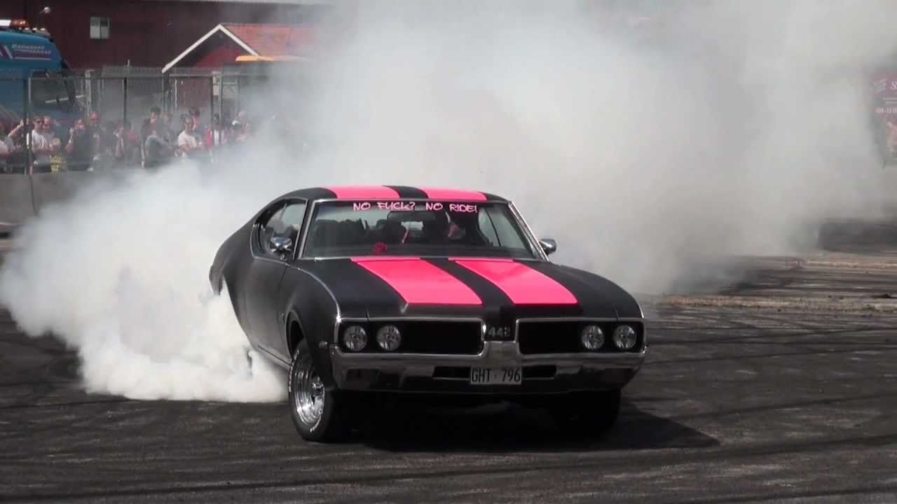 Car Show Burnout Competition
